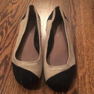 Toms flats (light tan and black) size 8